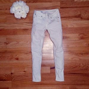 GAP white skinny jeans, 25/0R